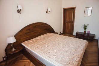 Bolshaya Konyushennaya 3 Apartment