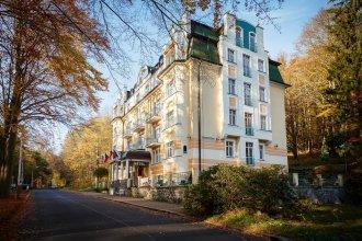 Villa Savoy Spa Park Hotel