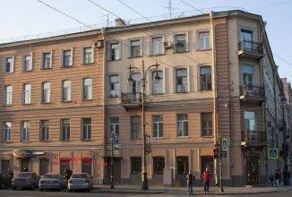 Life Saint-Petersburg