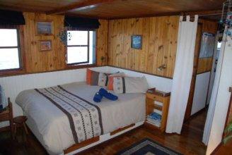 Knysna Houseboat Myrtle