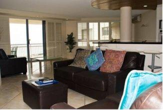 Oceanside Resort - Absolute Beachfront Apartments