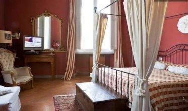 Florentia Apartments