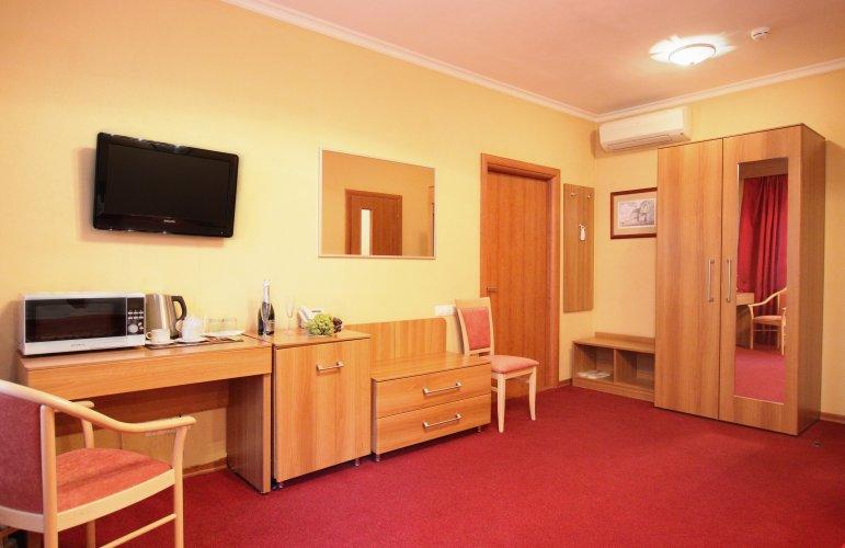 Pogostite.ru - Forte Inn | СПБ | м. Чернышевская | Парковка#8