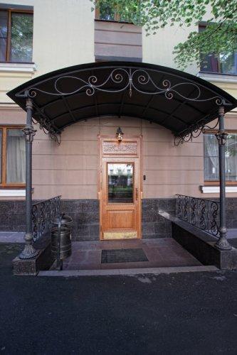 Pogostite.ru - Forte Inn | СПБ | м. Чернышевская | Парковка#2