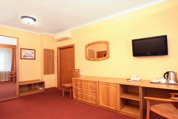 Pogostite.ru - Forte Inn | СПБ | м. Чернышевская | Парковка#15