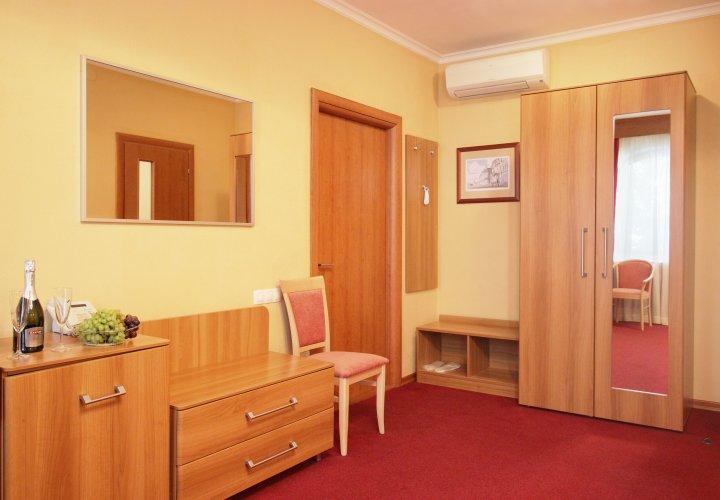Pogostite.ru - Forte Inn | СПБ | м. Чернышевская | Парковка#6