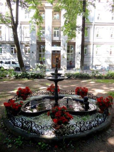 Pogostite.ru - У Фонтана | Санкт-Петербург | м. Электросила | Парковка#13